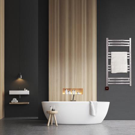 Elegant Handdukstork Sjöhaget i modernt badrum